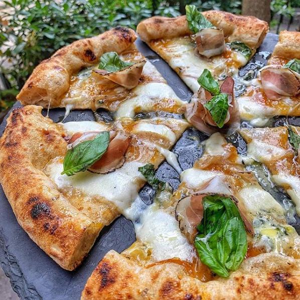foto pizza 1000 gourmet